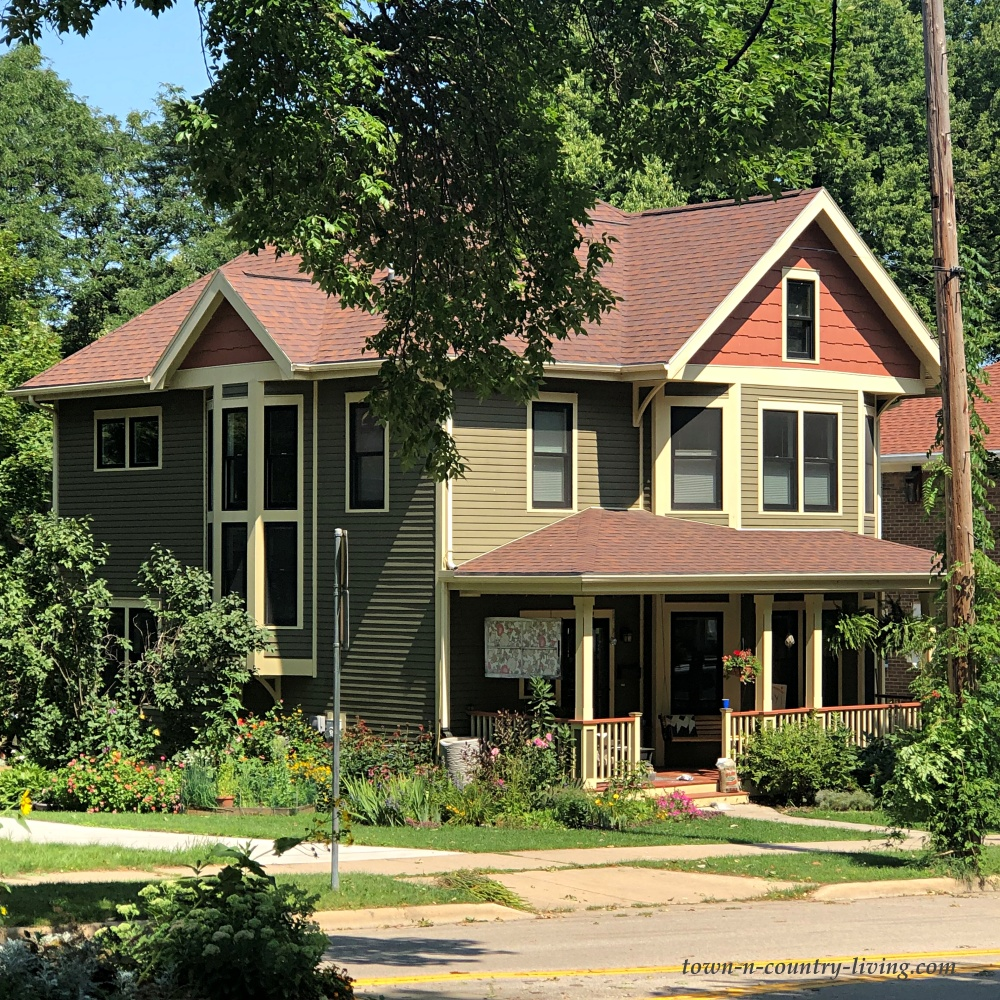 Large Porch on Victorian Home in Wisconsin