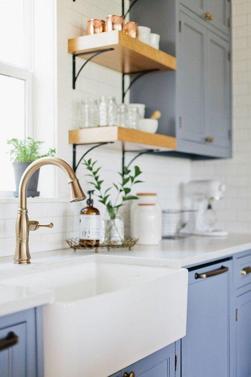 White Farmhouse Sink with Goose Neck Faucet