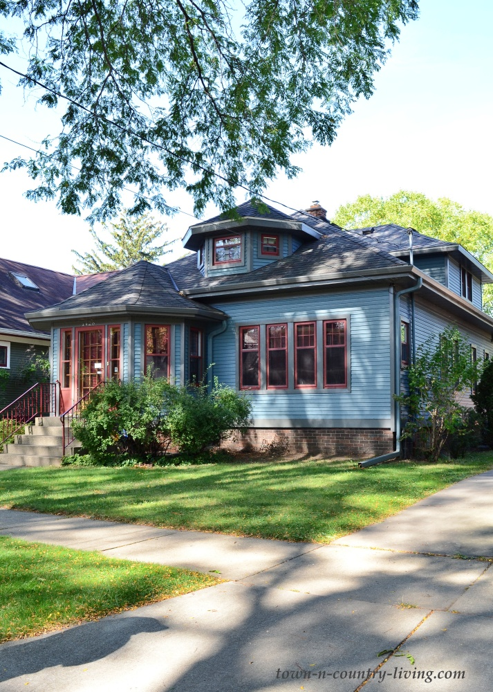 Blue bungalow - Sears kit home in Wisconsin