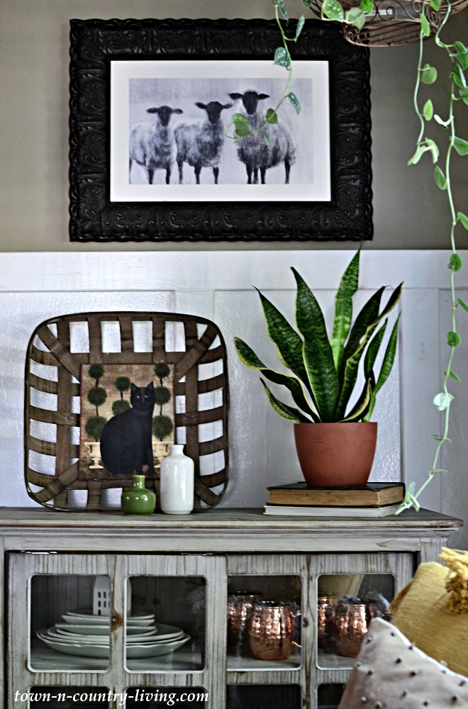 Country Style Fall Decorating in Entryway