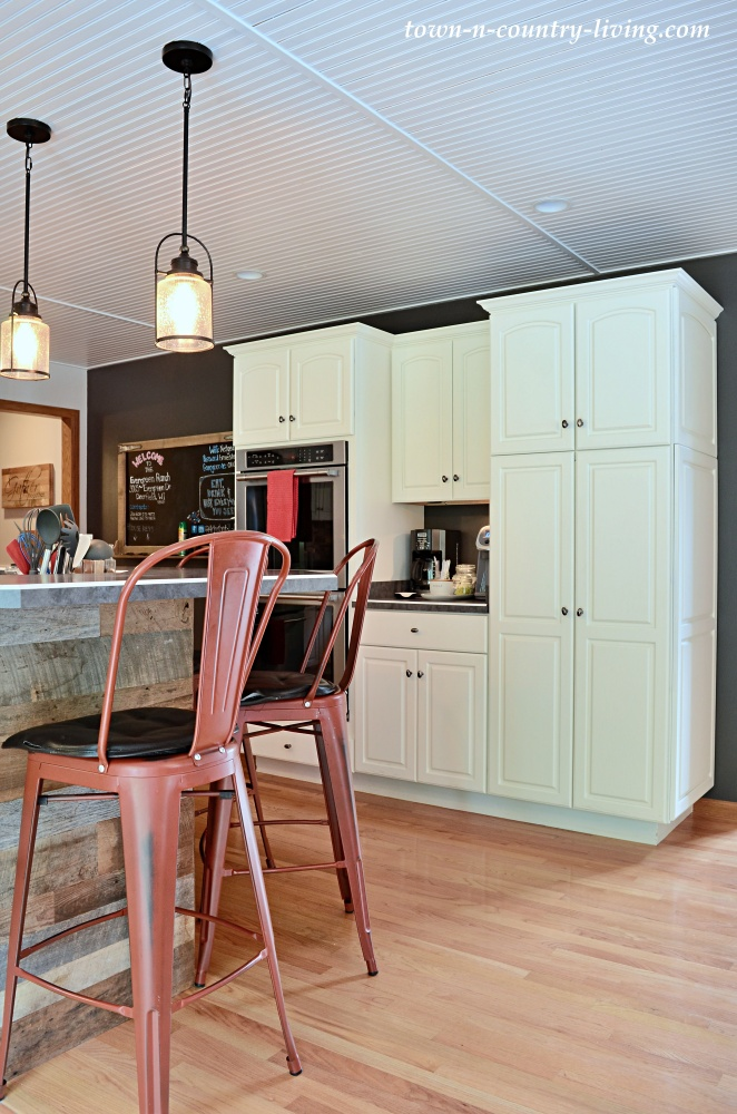 Farmhouse Style Kitchen with Bar Height Countertop