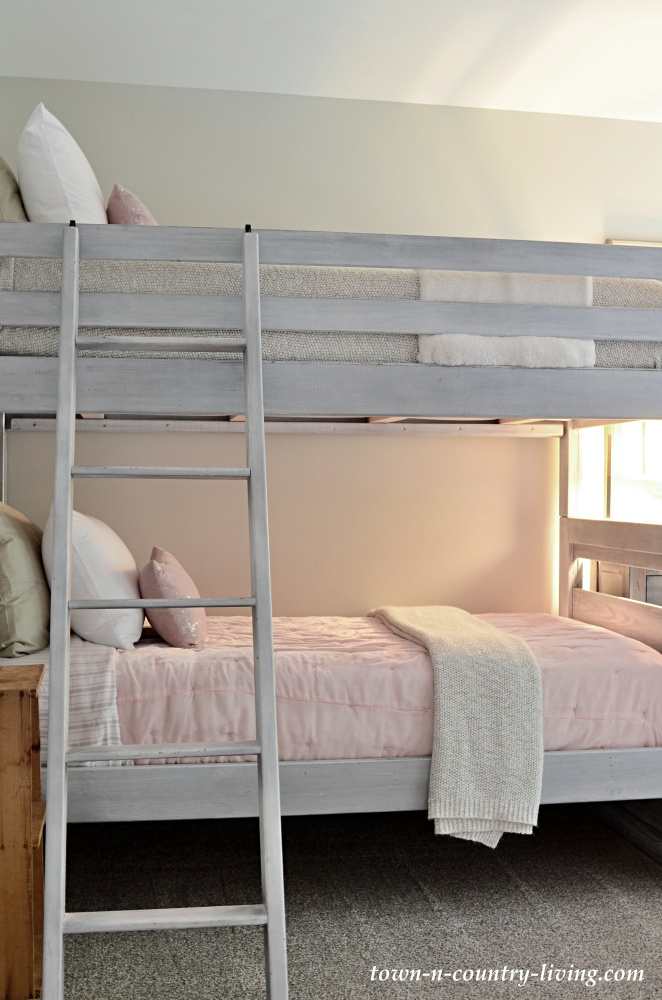 Bunk Beds in a Pink and Gray Bedroom